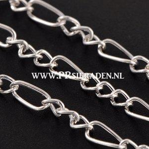 Zilverkleurige metalen ketting