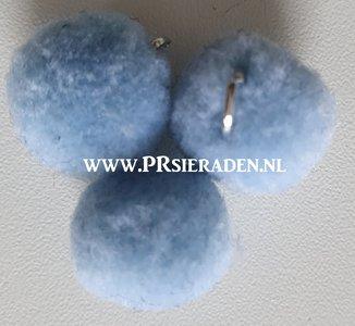 Licht blauw pompom
