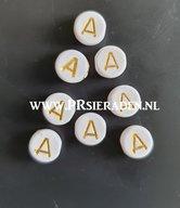 letter-A-acryl-kralen