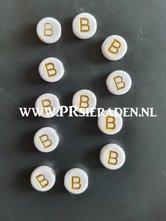 letter-B-acryl-kralen