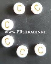 letter-C-acryl-kralen
