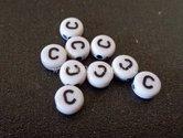 letter-C--acryl-kralen