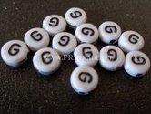 letter-G--acryl-kralen