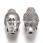 Metalen-Young-Buddha-kraal