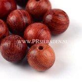 Saddelbrown-houten-kraal
